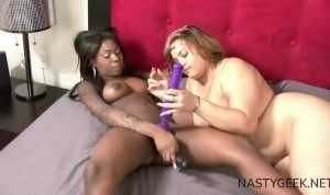 black tattooed hot woman and a fat white girl give pleasure each others