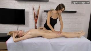 Girl making girl Gerenda virgin pussy and body massage