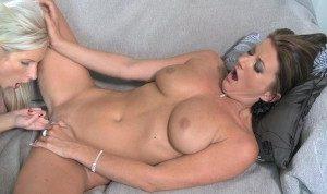 MOM Mature women having lesbian orgasms