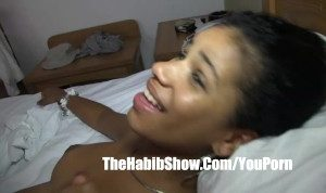 Dominican Lesbian pussy sucks her clit