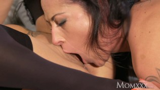 MOM Mature and experienced Czech milfs in lingerie share lesbian orgasms